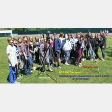Schüler des Gymnasiums Stockerau bei der Beobachtung des Merkurdurchganges